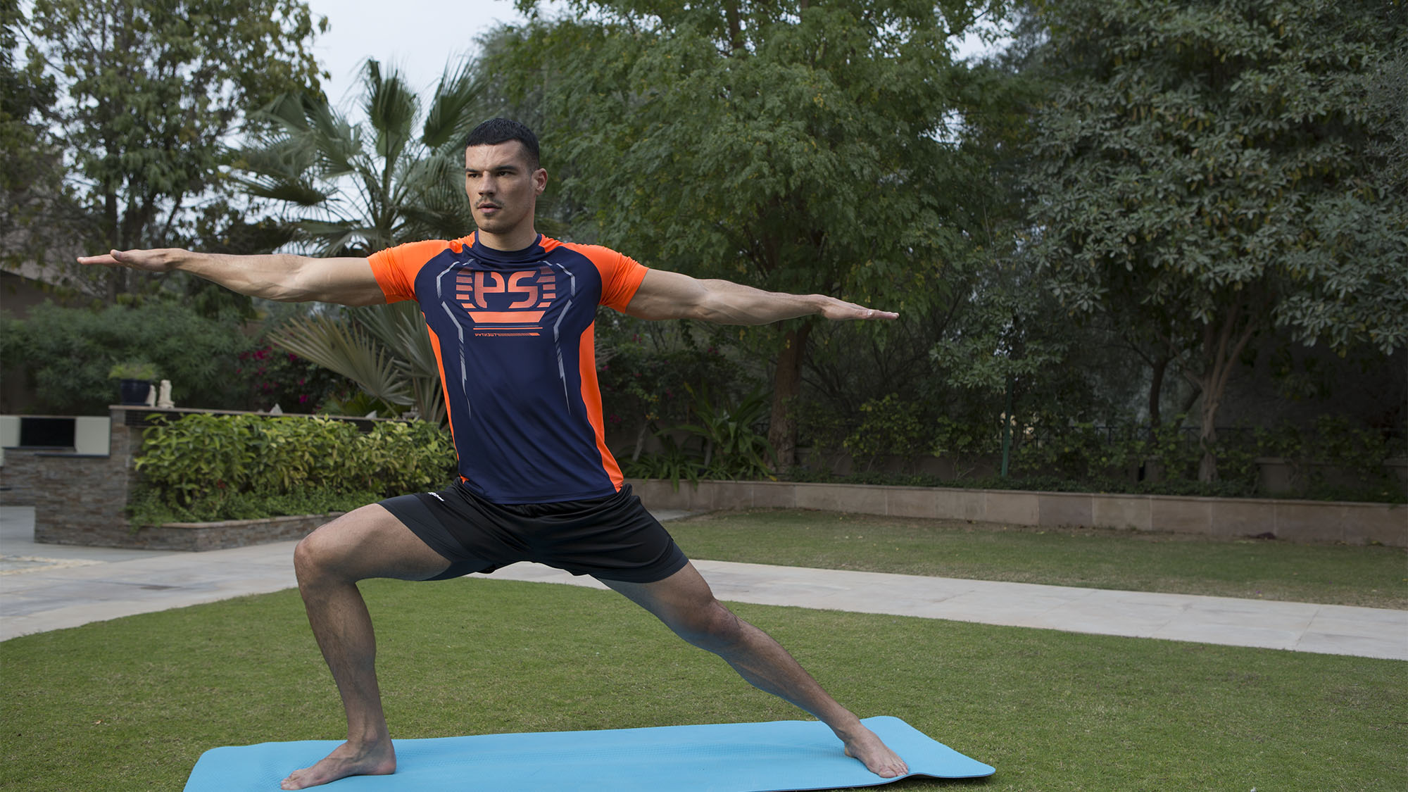 MEN'S ACTIVEWEAR FOR ANYWHERE